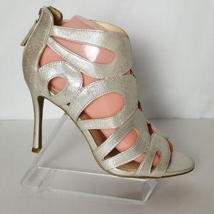 Nine West Flora Gold Metallic Sandals Shoes 7.5